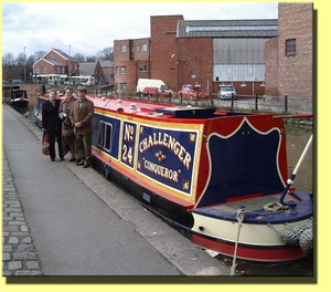 Chester_canal_boat_group