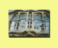 Gaudi_building_2