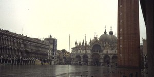 Piazza_san_marco_under_water