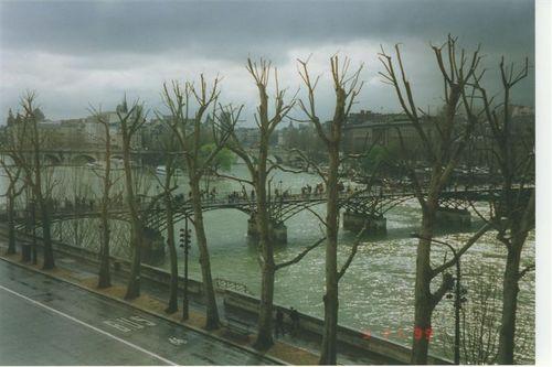 Pont_des_artes_paris_1999